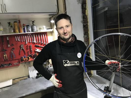 Исправление восьмёрки велосипеда