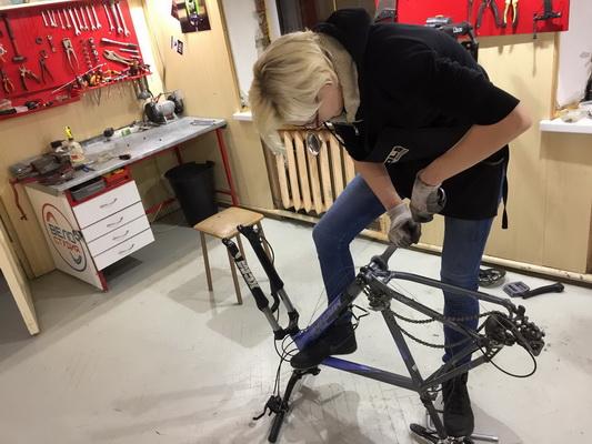 велосипед разбирается